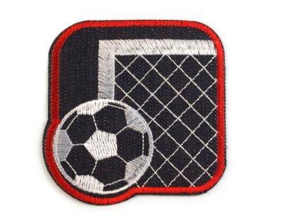 Aufbügler  Jeansoptik ca. 8 x 8 cm - Fußballtor mit  Fußball - schwarz/rot