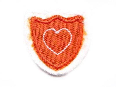 """Applikation """"Wappen"""" orange mit Herz zum Aufnähen"""