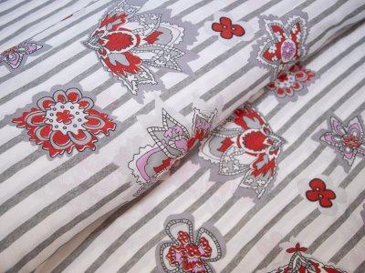 KDS Queen's Collection - Webware Cubro Viskose PANEL ca. 75cm x 140cm - Abstrakte Motive auf Streifen - weiß/grau