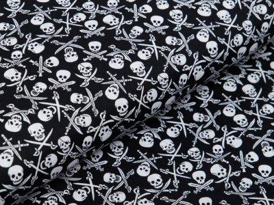 Webware Baumwolle Popeline - Totenköpfe und Säbel - schwarz