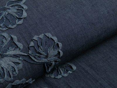 Leichter Jeansstoff mit Stickerei - Blumenborde - dunkles jeansblau